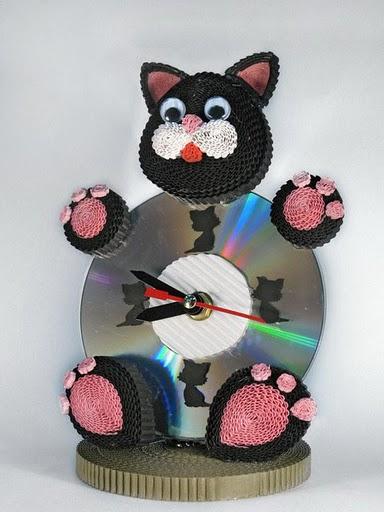 Вот такую красоту можно сделать из старых СД и ДВД дисков.
