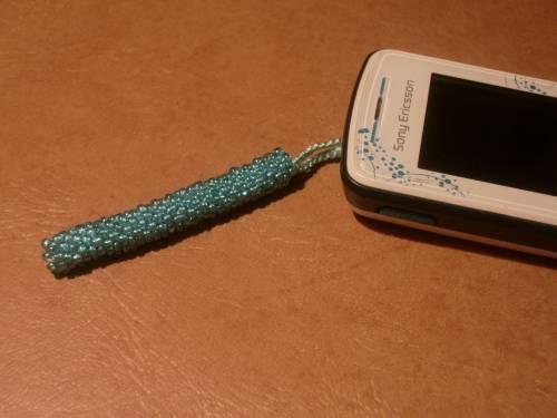 Брелок на мобильный для дочки.